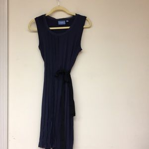 Simply Vera Dress Size M